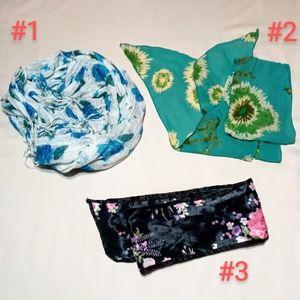 Set of 3 scarves.